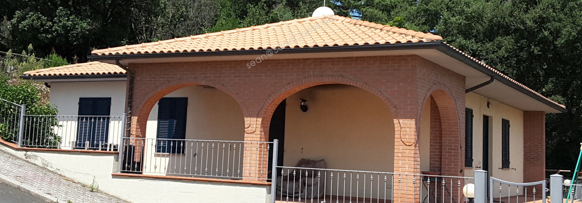 Single family detached home with garden, near medieval town Suvereto