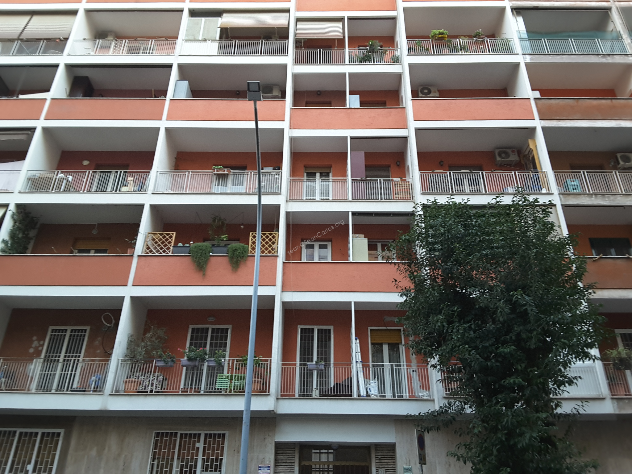 Bright 4 room apartment, just 5 minutes from the Garbatella Metro stop