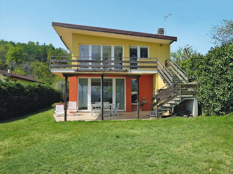 Modern villa with panoramic views of Lake Orta, Pella, Novara