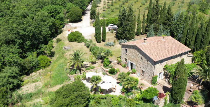 Country house with majestic valley view in Tuscany's Maremma